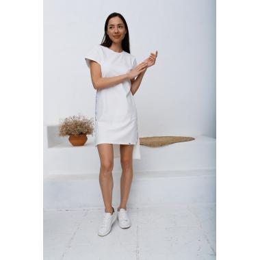 Приталенное платье- футболка